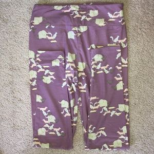 Lularoe animal print leggings